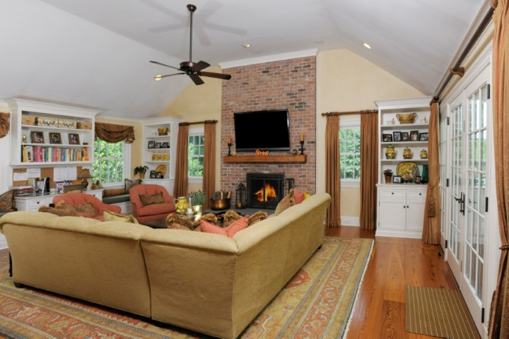 16-Greenbriar-Lane-Greenwich-CT-Real-Estate-Family-Room