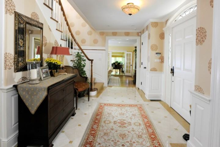 16-Greenbriar-Lane-Greenwich-CT-Real-Estate-Foyer