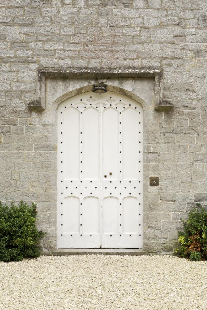 239_ExE_Front Door_L