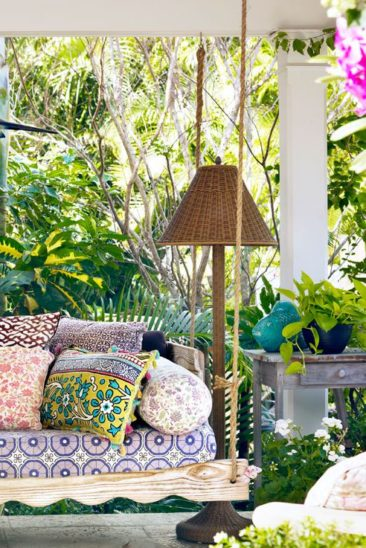 Chic Outdoor Pillows for 2019