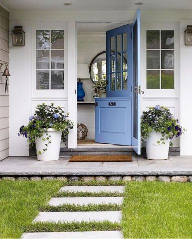Pretty Front Porch Planters For The Portico And Entry The Well Appointed House Design Fashion And Lifestyle Blog