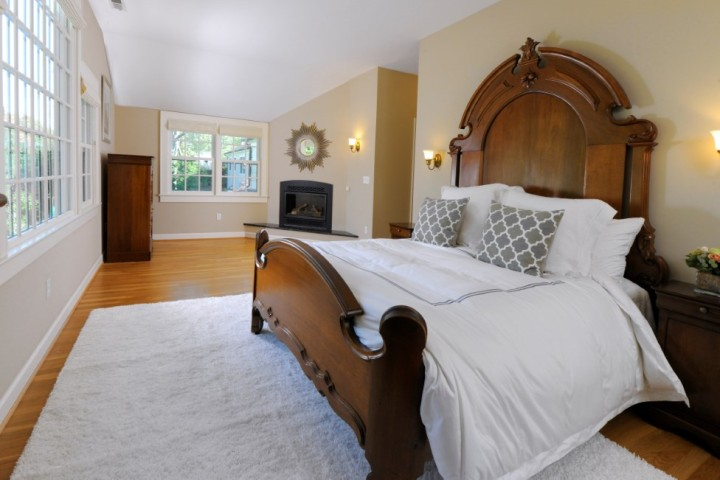 93-Summit-Road-Greenwich-Real-Estate-Riverside-CT-Master-Bedroom