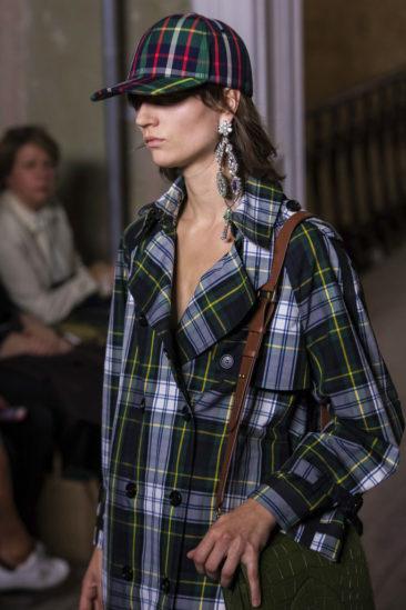 35ca7d1e643 London Fashion Week  Burberry brings back vintage check