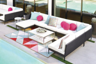 Outdoor entertaining with indoor style