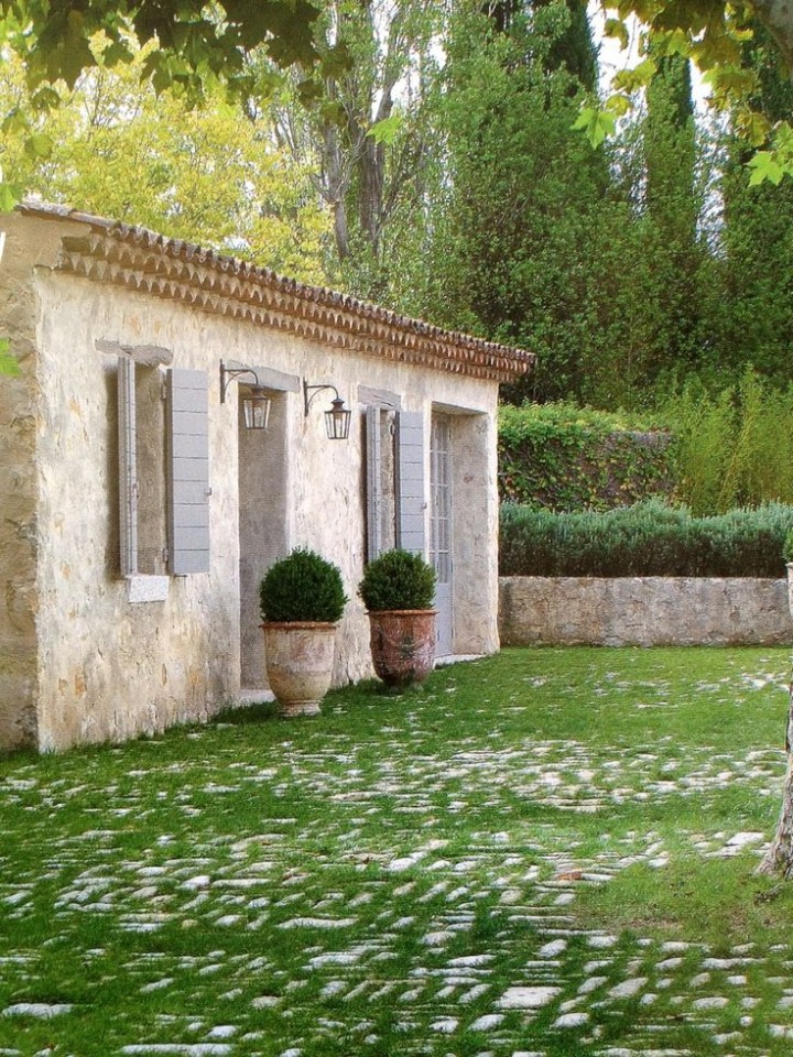 Anduze and ceramic garden planters french garden pots for French country house blog