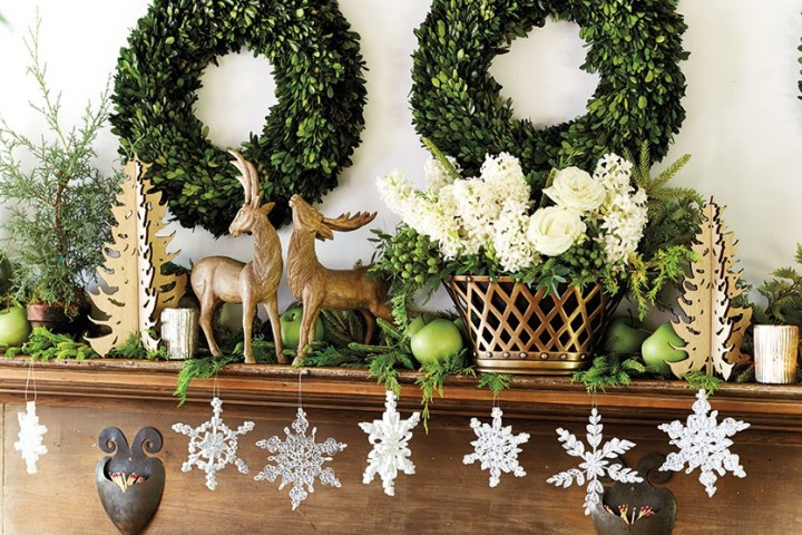Bunny-Williams-Holiday-mantle-How-To-Decorate.com-3