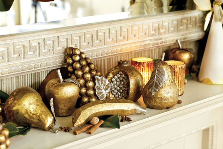 Bunny-Williams-Holiday-mantle-How-To-Decorate.com-6