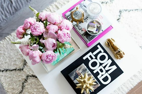 How-to-style-coffee-table-glitter-guide