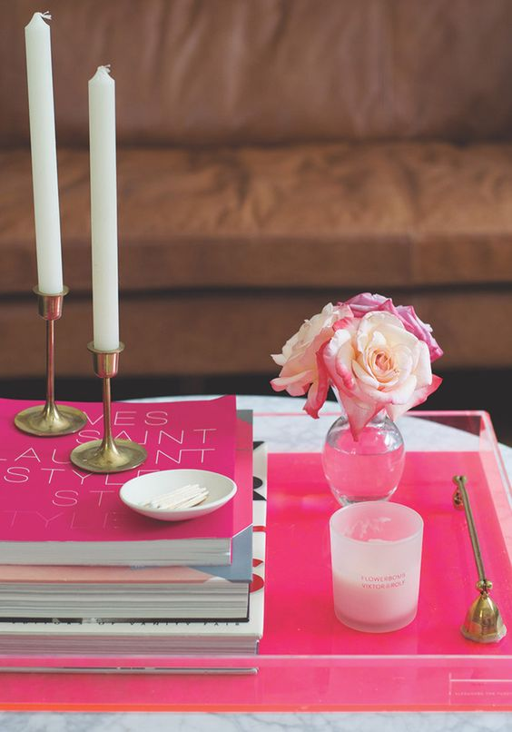 Huffington-Post-Color-Coded-Coffee-Table-Styling