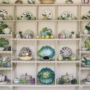 Stylish China and Platter Shelves