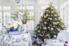 Chinoiserie Christmas: Incorporating Blue & White Into Holiday Decor