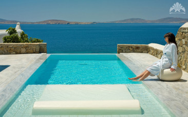 Jetsetting to Mykonos?  Stay at the Mykonos Grand!