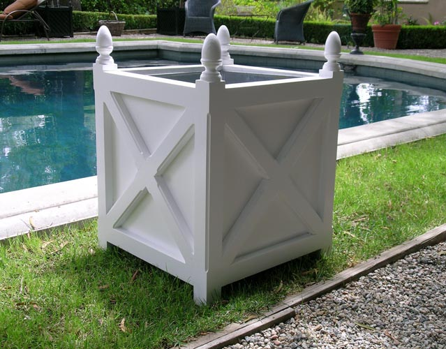 Our seven favorite white garden planters for this spring the well