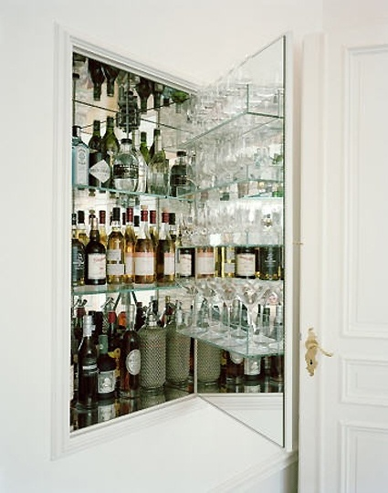 bar in the wall