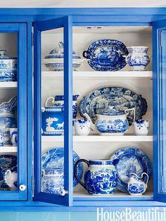 blue-and-white-kitchen-china