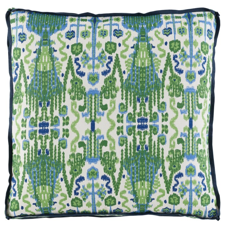 bombay_kelly_pillow_with_navy_linen_flange