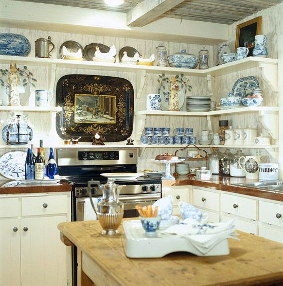 charles-faudree-blue-and-white-kitchen