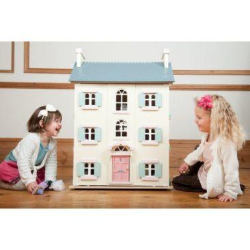 The Cutest Dollhouses for Christmas 2017!