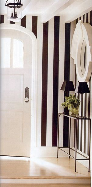 foyer 3 black and white stripe