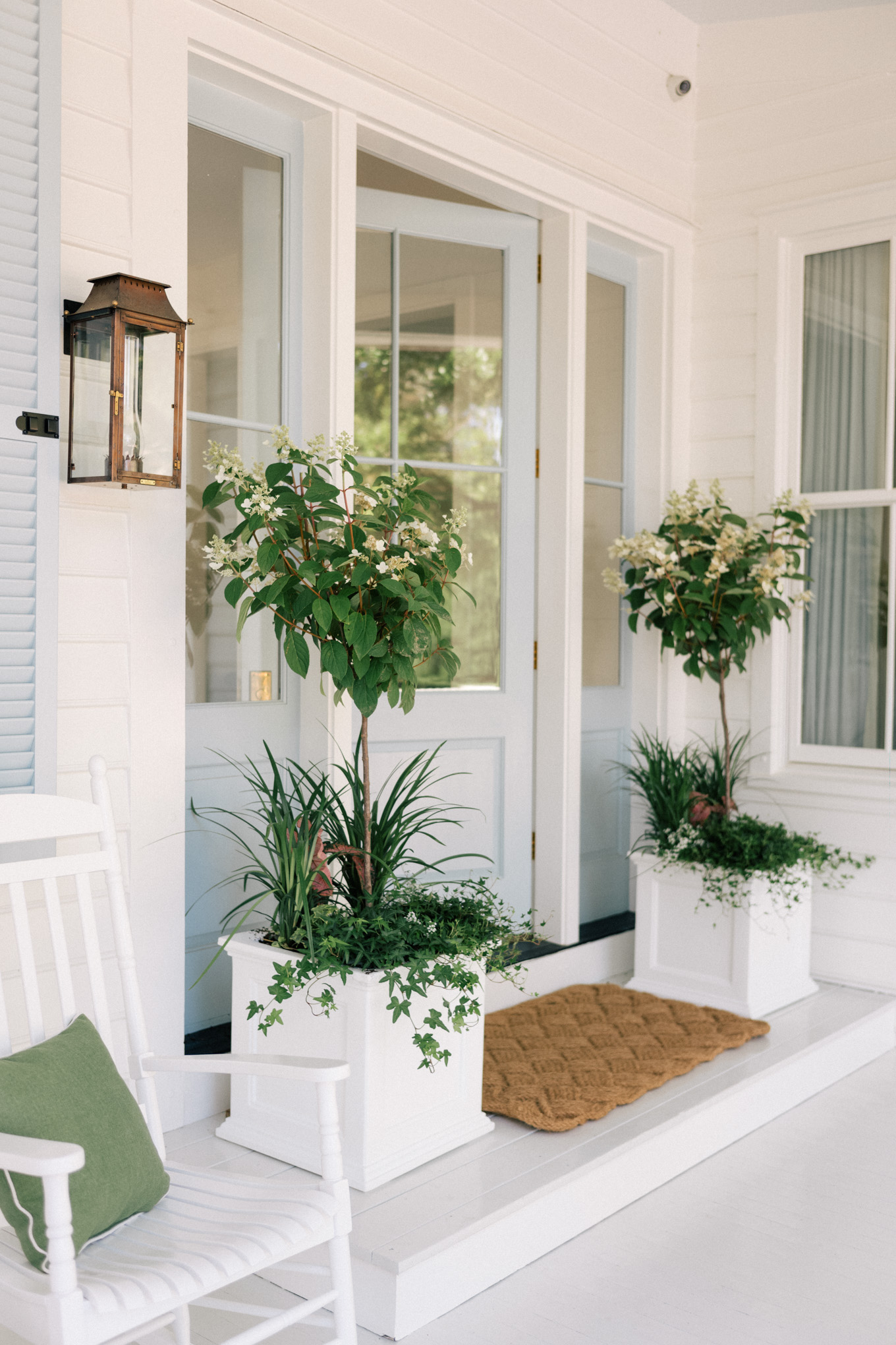 Pretty Front Porch Planters For The Portico And Entry The Well