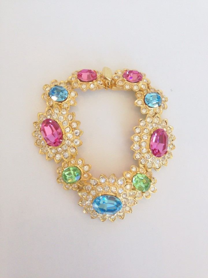 gold_and_crystal_peridot_and_aqua_and_pink_centers_bracelet