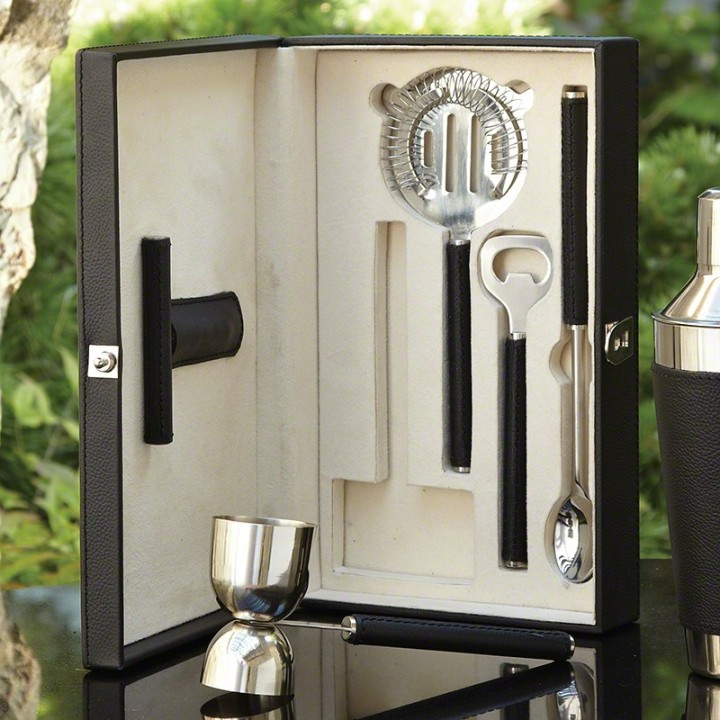 leather_boxed_bar_tool_set_in_black_with_optional_cocktail_shaker1