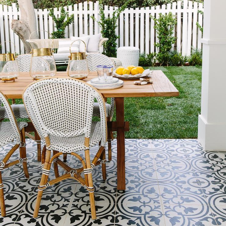 Fun French Bistro Chairs For Summer, French Bistro Furniture