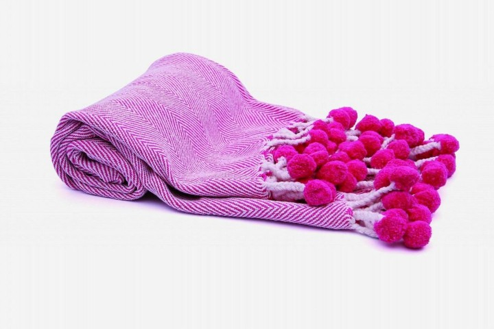pom_pom_throw_in_ivory_and_pink
