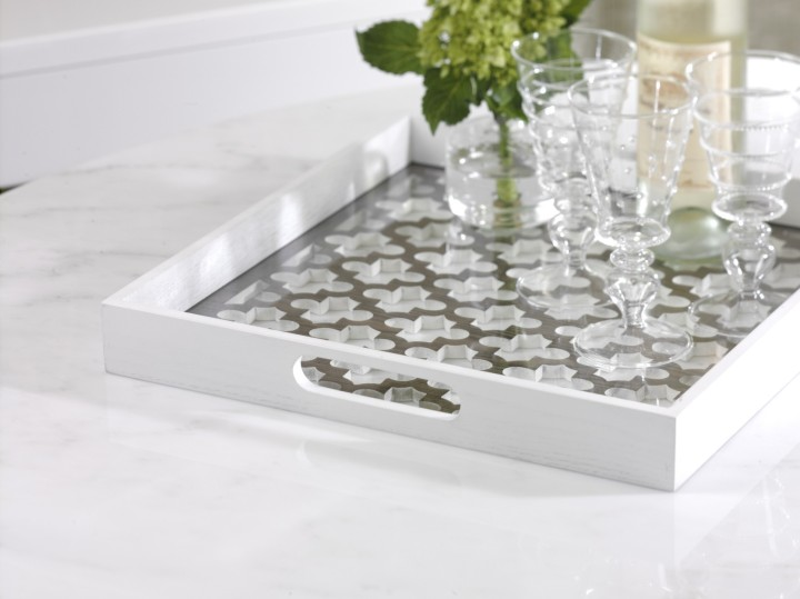trellis_wooden_serving_tray_with_glass_insert