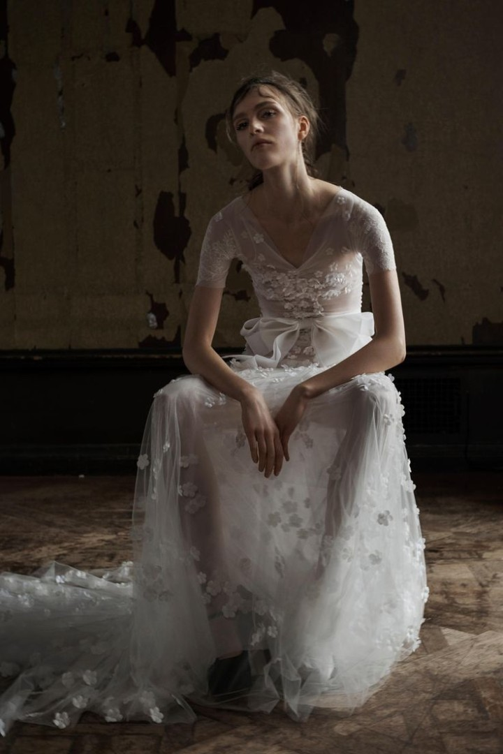 vera-wang-spring-2016-bridal-collection-3d-florals